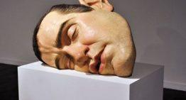 A arte hiper-realista de Ron Mueck