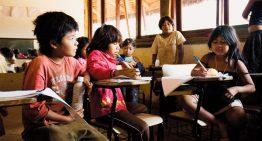 Menos da metade das escolas indígenas contam com professores da própria comunidade