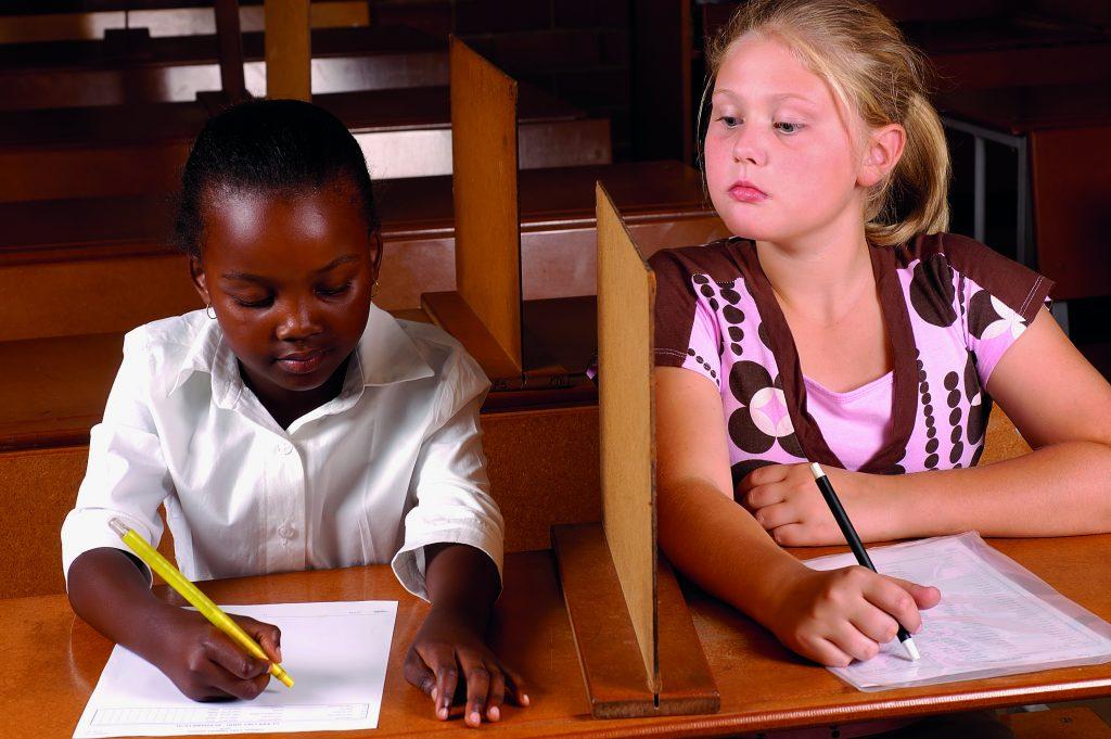 """O que os alunos pensam sobre """"colar"""""""