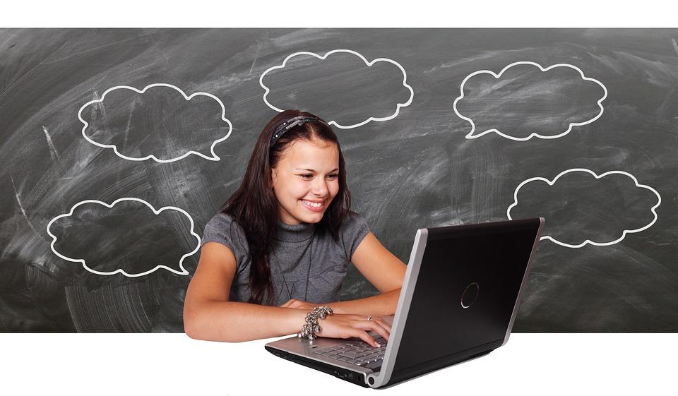 Livro lançado pela UNESCO trata dos métodos para avaliar uso de tecnologias na educação