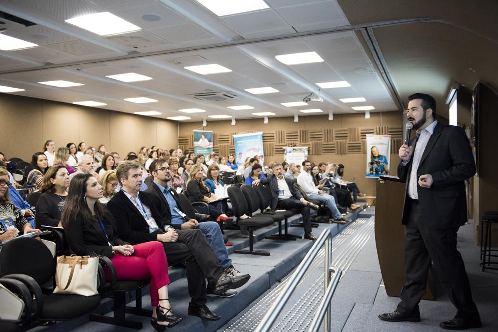 Henrique Tichauer palestra nas Jornadas da Educação
