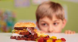 O que as escolas podem fazer para ajudar no combate à obesidade