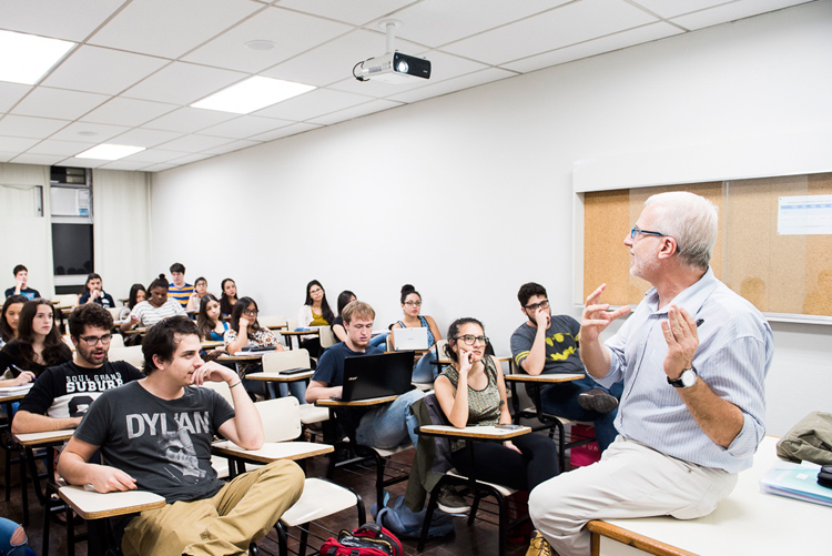 Cásper Líbero: aulas para ensinar os alunos a patentear projetos e até captar recursos