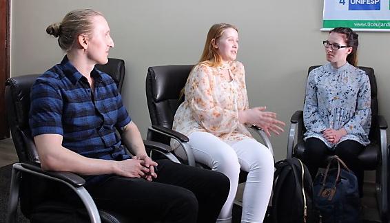 Estudantes da Finlândia fazem intercâmbio no Brasil e comentam diferenças entre sistemas de ensino