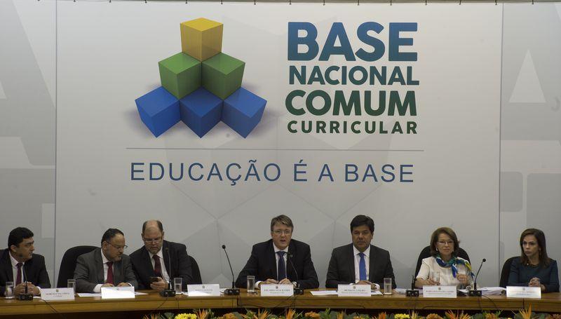 Terceira versão da Base Nacional Comum Curricular foi entregue ao CNE em abril de 2017 (Crédito: Marcello Casal Jr/Agência Brasil)