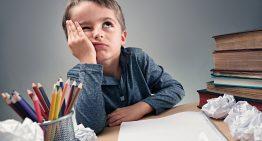 Famílias de Nova York põem em questão lição de casa para crianças de até 10 anos