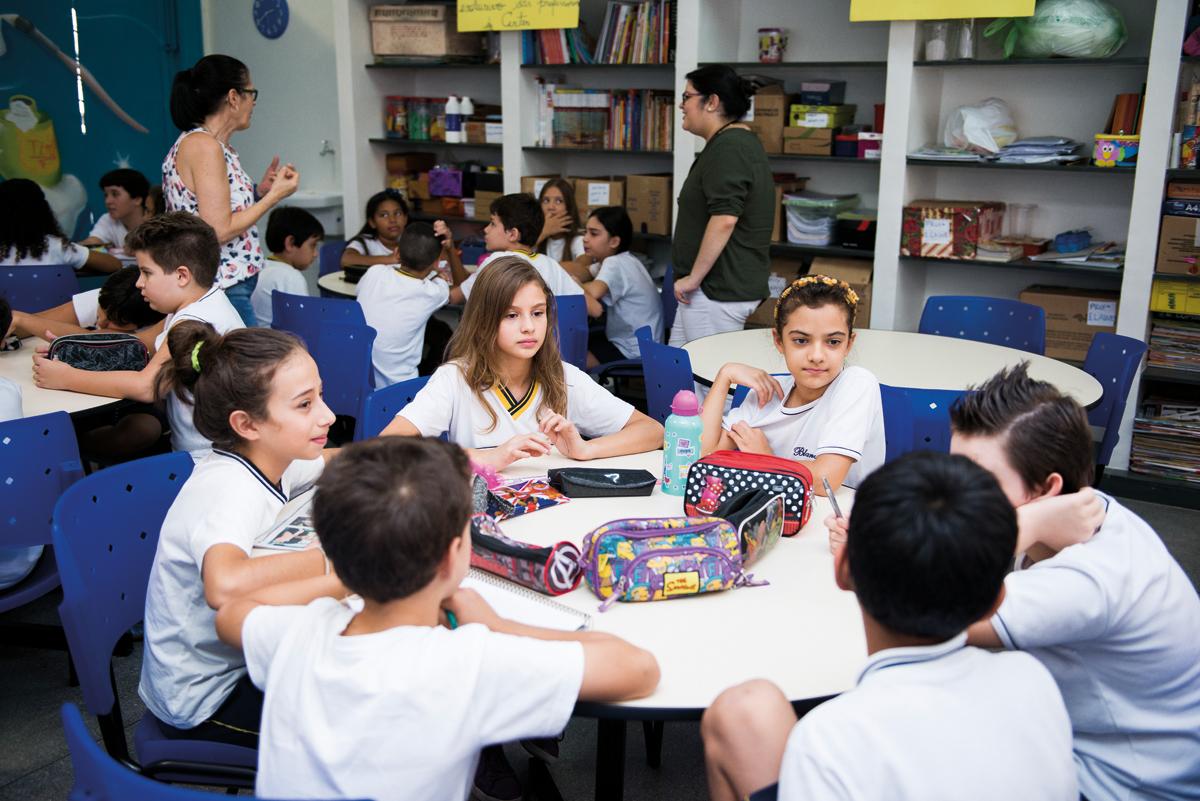 Coordenador pedagógico deve auxiliar professores a melhorar aprendizagem dos alunos
