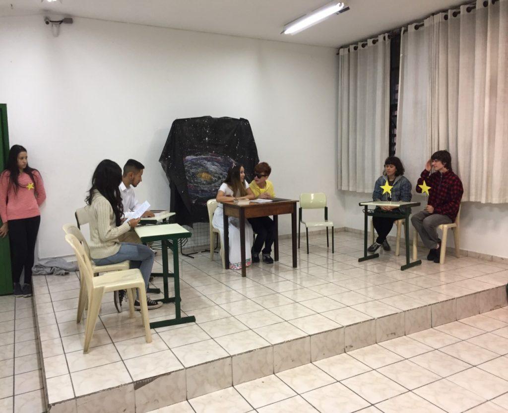 Alunos da Escola Estadual Dª Idalina Macedo Costa Sodré, de São Caetano do Sul (SP), que faz parte do PEA-Unesco desde 2015, fizeram peças de teatro para trabalhar o respeito ao outro. (Foto: Arquivo/Escola Estadual Dª Idalina Macedo Costa Sodré)
