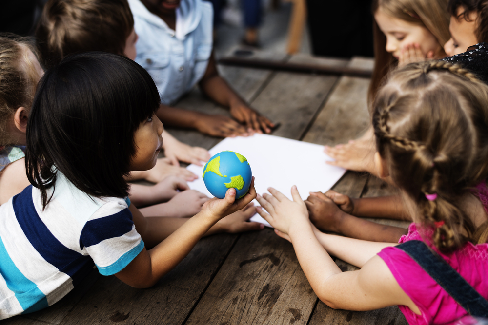Número de alunos imigrantes ou refugiados mais que dobra em oito anos no Brasil