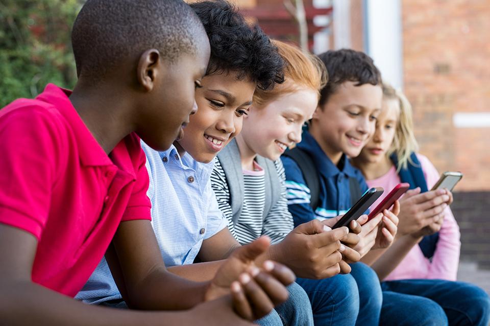 Proibição afeta todo o espaço escolar (foto: Shutterstock)
