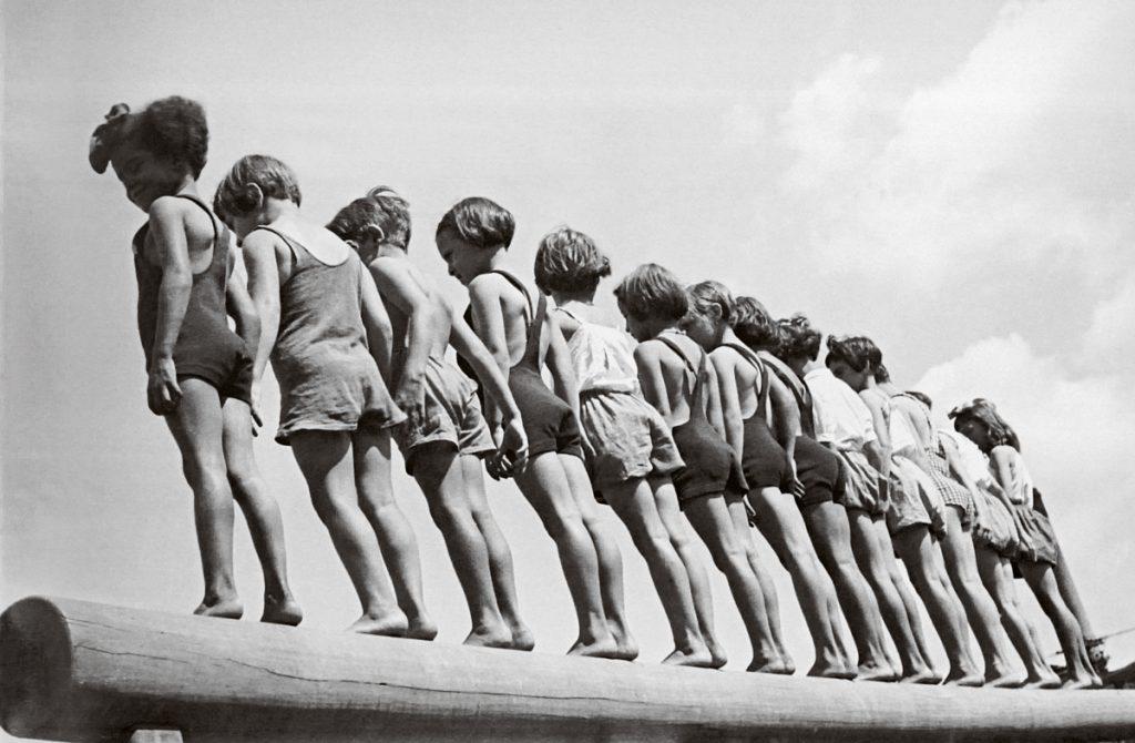 A escolarização busca apagar os traços particulares de linguagem em prol de uma ideia universalista   © Reprodução/BJ Duarte Caçador de imagens