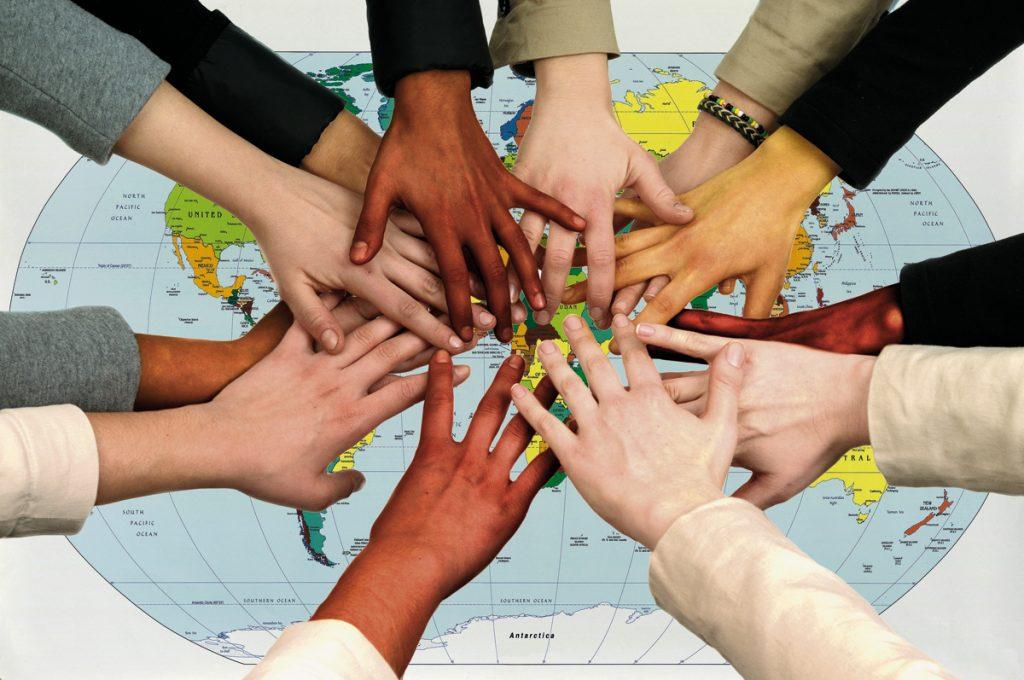Direitos humanos vivem momento de regressão, analisa especialista